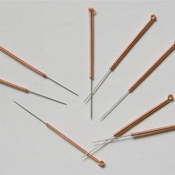 Acupuncture Needles and the Seebeck Effect: Do Temperature Gradients Produce Electro-stimulation?